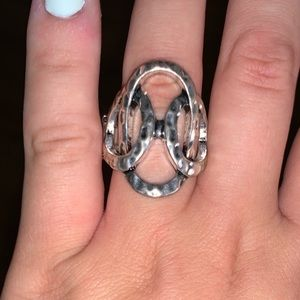 Stretchy ring